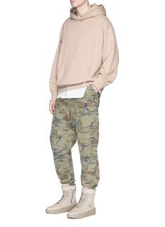YeezyOversized hoodie
