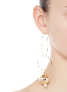 MOUNSER 'Solar' 14k gold plated hoop mismatched earrings