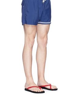 DANWARDCross toe strap flip flops