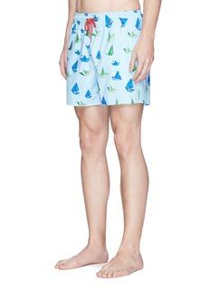 Māzŭ'Ori' print swim shorts