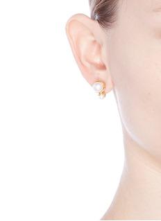 Obellery'Fruity' small double pearl stud earrings