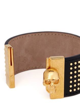 Detail View - Click To Enlarge - Alexander McQueen - Stud skull leather bracelet