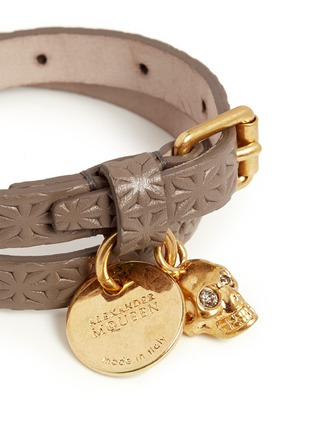 Detail View - Click To Enlarge - Alexander McQueen - Skull charm double wrap embossed leather bracelet
