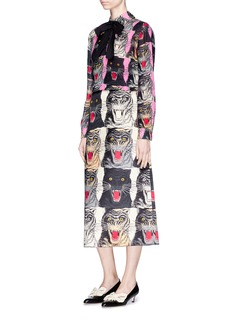 Gucci Bow neck tiger face crepe shirt