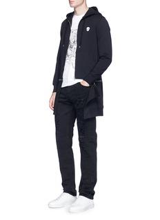 Alexander McQueenSkull patch extended hem zip hoodie