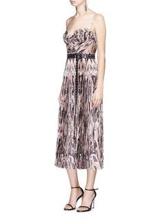 Alexander McQueen Eye belted ruffle marble print silk crépon dress