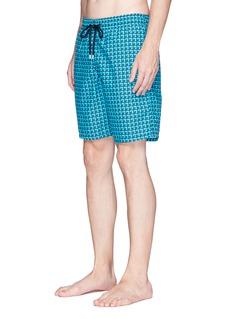 Vilebrequin 'Okoa' wave print swim shorts