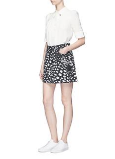 Marc JacobsHeart pin crepe de Chine blouse