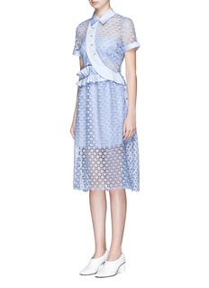 SELF-PORTRAIT 荷叶边边饰小雏菊刺绣镂空连衣裙