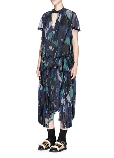 Sacai Digital camouflage print plissé pleated wrap skirt