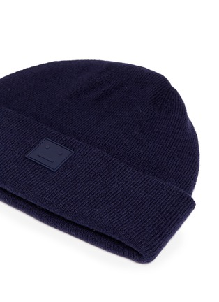 Detail View - Click To Enlarge - Acne Studios - 'Knut L Face' emoticon patch wool beanie