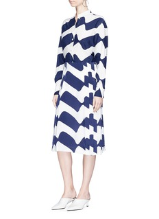 Victoria Beckham Wave print pleated silk satin skirt
