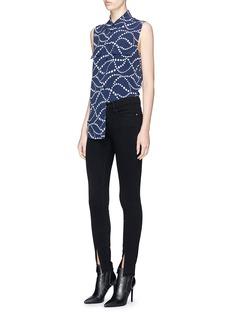Equipment 'Slim Signature' star print sleeveless silk crepe shirt
