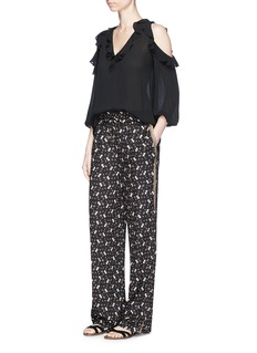 alice + olivia 'Benny' floral print side trim crepe pants