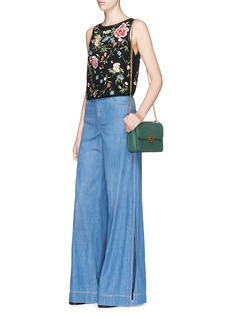 alice + olivia'Arra' stud floral embroidered crépon cropped top