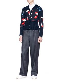 Wan Hung Chinese knot prawn charm shirt