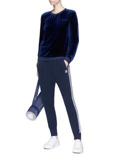ADIDAS 品牌标志天鹅绒卫衣