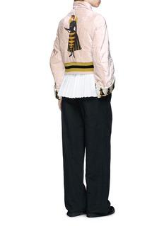UNDERCOVER Queen bee appliqué velvet cropped bomber jacket