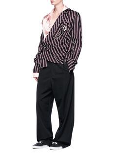 R.shemiste Satin underlay stripe shirt