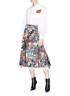 TOGA ARCHIVES Embellished patch poplin shirt