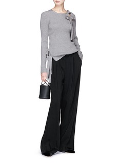 RHIÉ Vera系带设计不对称罗纹针织衫