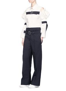 Shushu/Tong Cold shoulder belted Oxford shirt