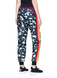 No Ka'Oi 'Pana' stripe outseam camouflage print track pants