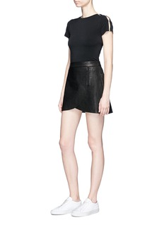 alice + olivia 'Troy' faux pearl sleeve cropped crepe T-shirt