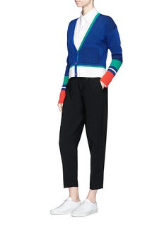 Comme Moi Colourblock rib knit cropped cardigan