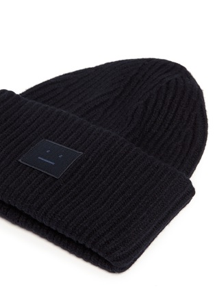 Detail View - Click To Enlarge - Acne Studios - 'Pansy L Face' emoticon patch wool blend beanie