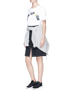 THE UPSIDE White Swing品牌标志图案T恤