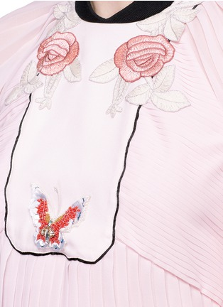 Detail View - Click To Enlarge - Giamba - Floral butterfly appliqué pleated chiffon dress