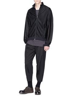 DEVOA Cropped jogging pants