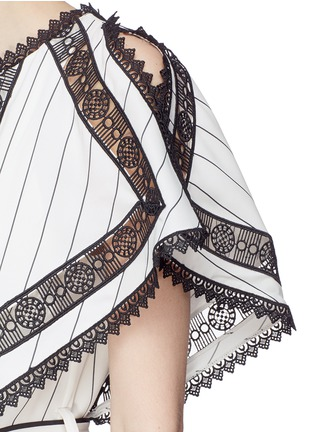 Detail View - Click To Enlarge - self-portrait - Handkerchief cape overlay lace panel dress