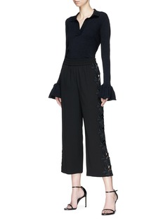 alice + olivia 'Benny' floral lace outseam cropped pants