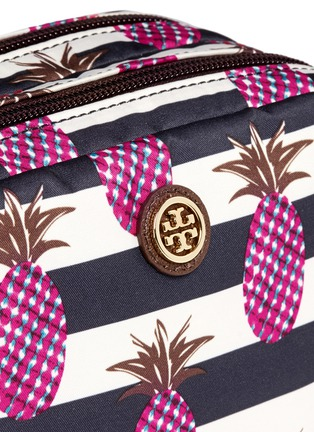 Detail View - Click To Enlarge - Tory Burch - 'Kerrington' pineapple print small double cosmetic case