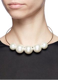Kenneth Jay Lane Graduating glass pearl necklace