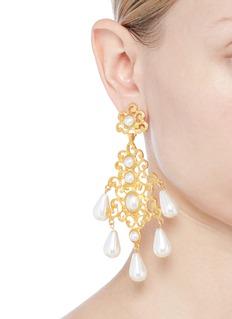 KENNETH JAY LANE 人造珍珠点缀金属耳环