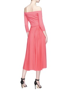 Alexander McQueen Knit panel plissé pleated off-shoulder midi dress