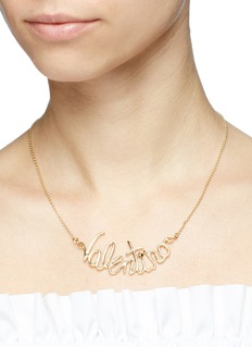 VALENTINO 品牌名称吊坠项链