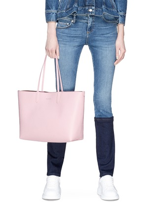 Figure View - Click To Enlarge - Alexander McQueen - Medium leather shopper tote