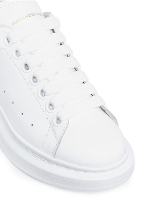 Detail View - Click To Enlarge - Alexander McQueen - 'Larry' chunky outsole leather sneakers