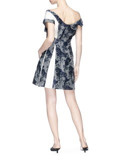 Stella McCartney Colourblock pleated floral print dress