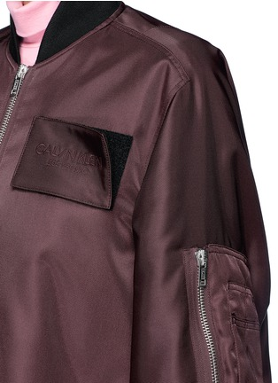 Detail View - Click To Enlarge - CALVIN KLEIN 205W39NYC - Detachable logo patch satin bomber jacket