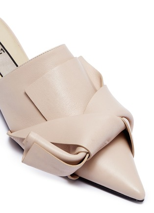 Detail View - Click To Enlarge - NO.21 - Stud heel bow leather slippers