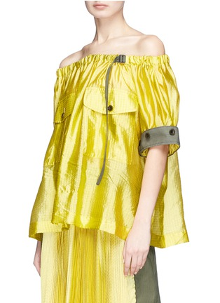 Detail View - Click To Enlarge - Sacai - Detachable sleeve off-shoulder grid silk top