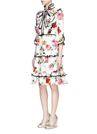 Figure View - Click To Enlarge - Gucci - Rose and bee print ruffle poplin dress