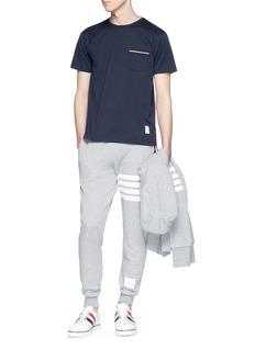 THOM BROWNE 条纹点缀口袋纯棉T恤