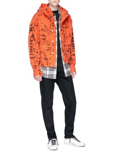424 Camouflage print hooded denim jacket