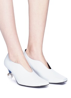 Yuul Yie Faux pearl heel colourblock choked-up leather pumps